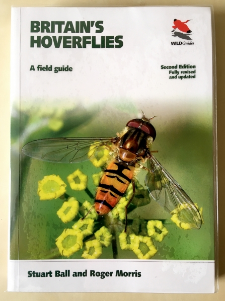 Front cover of 'Britain's Hoverflies' by Stuart Ball and Roger Morris